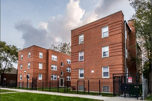 Washington Park apartments for rent in Chicago   6125 S Wabash