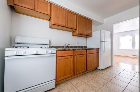 Washington Park apartments for rent in Chicago   6125 S Wabash Kitchen