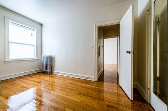 South Shore Apartments for rent in Chicago | 1931 E 71st St Bedroom