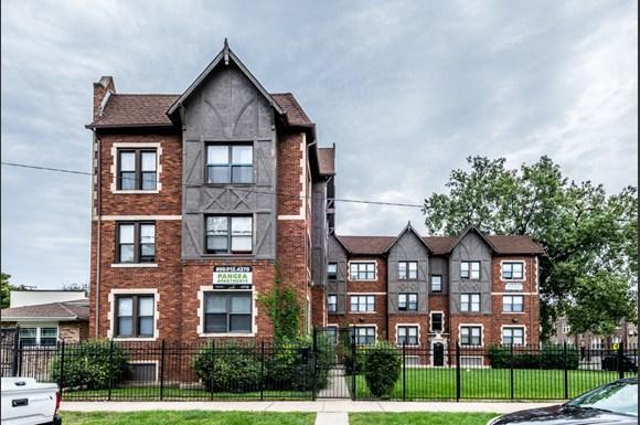 Brainerd Apartments for rent in Chicago | 8951 S Ada