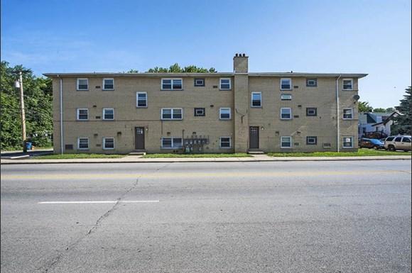 470 Gordon Ave Apartments Chicago Exterior