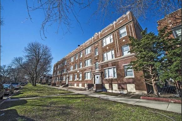 7120 S Wabash Ave Apartments Chicago Exterior