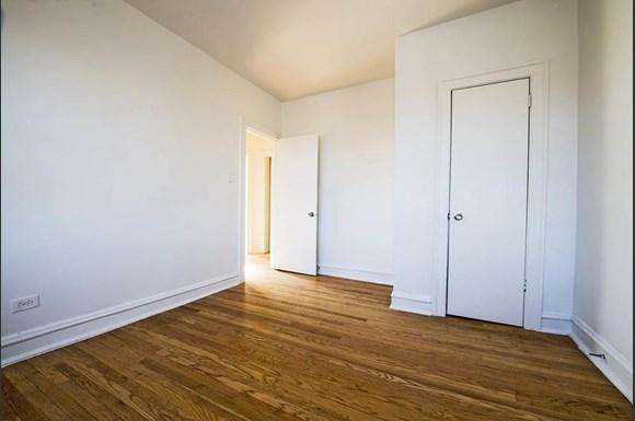 7800 S Morgan Apartments Chicago Bedroom