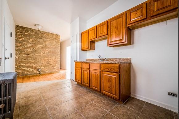 7701 S Ashland Apartments Chicago Kitchen