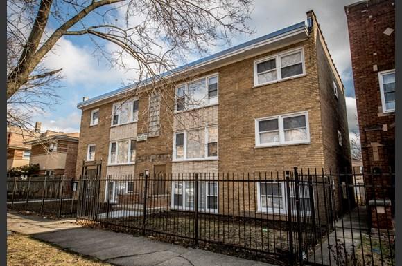 10933 S Vernon Ave Apartments Chicago Exterior