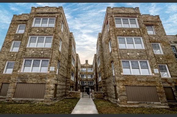 1807 S St Louis Apartments Chicago Exterior