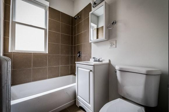 1807 S St Louis Ave Apartments Chicago Bathroom