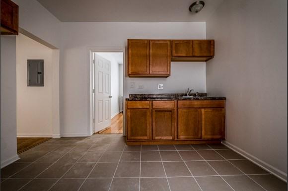 1807 S St Louis Ave Apartments Chicago Kitchen