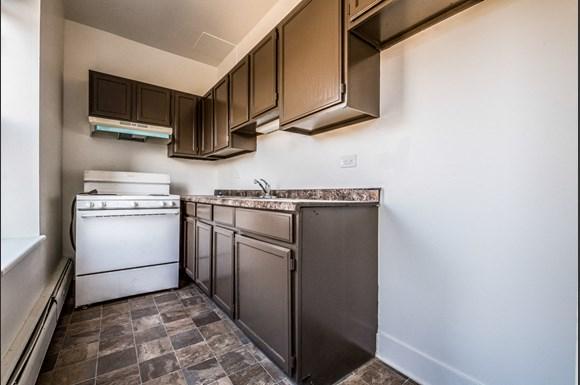 136 E 155th St Apartments Chicago Kitchen