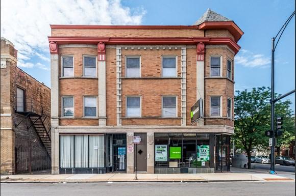5749 W Chicago Ave Apartments Chicago Exterior