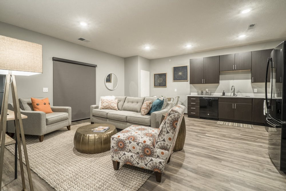 1 bedroom apartment with dark cabinets in the Blackstone District near UNMC in Omaha