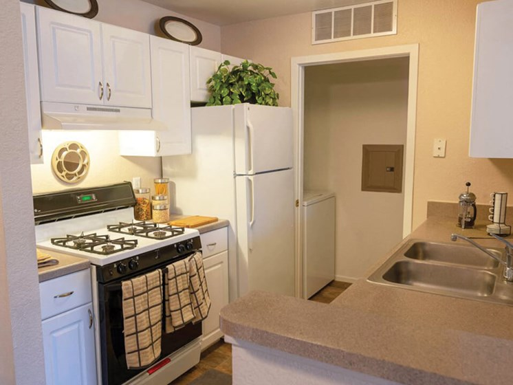 Waterford MI apts with large kitchen