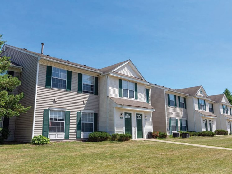 Waterford Pines Apartments in Waterford MI