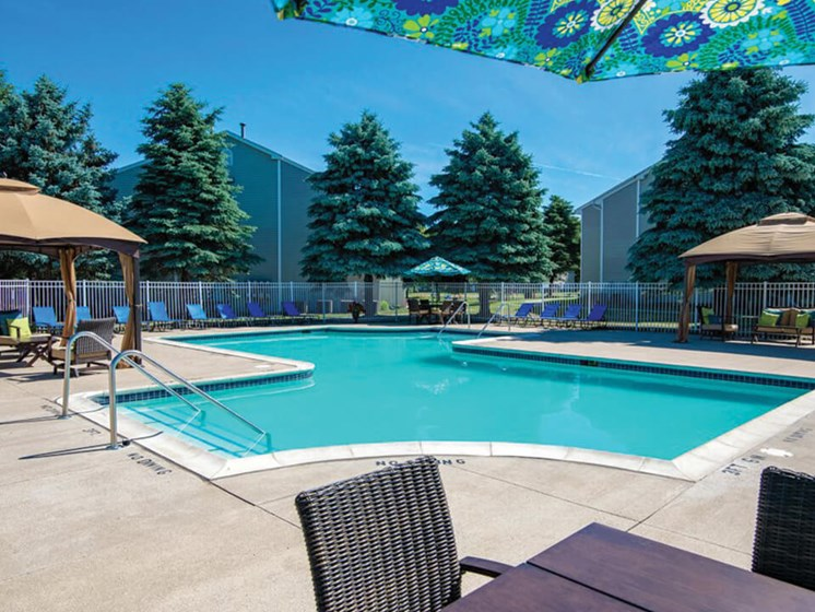swimming pool at Waterford Pines apartments