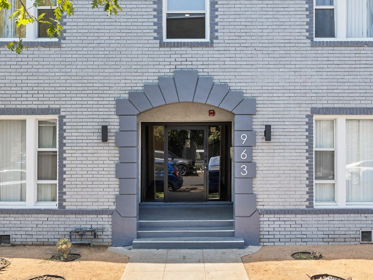 Front Door Entrance and Steps for Hobart Ave Apartments in Los Angeles, CA