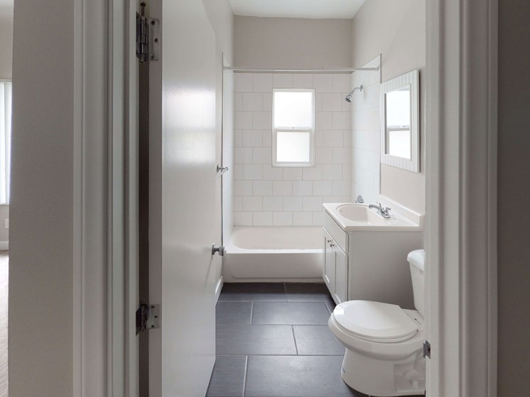STUDIO-Bathroom at Barton Apartments, California