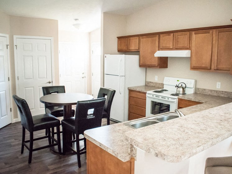 Wadsworth OH Apartment Rentals Redwood Brookridge Kitchen