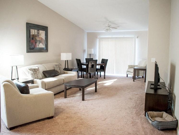 WWadsworth OH Apartment Rentals Redwood Brookridge Living Room