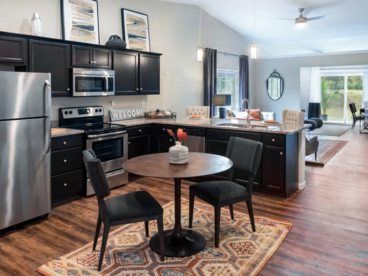 Wadsworth OH Apartment Rentals Redwood Retreat At Stonecrest Kitchen