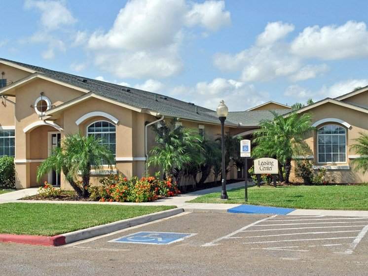 Casa Saldana Leasing Office Photo