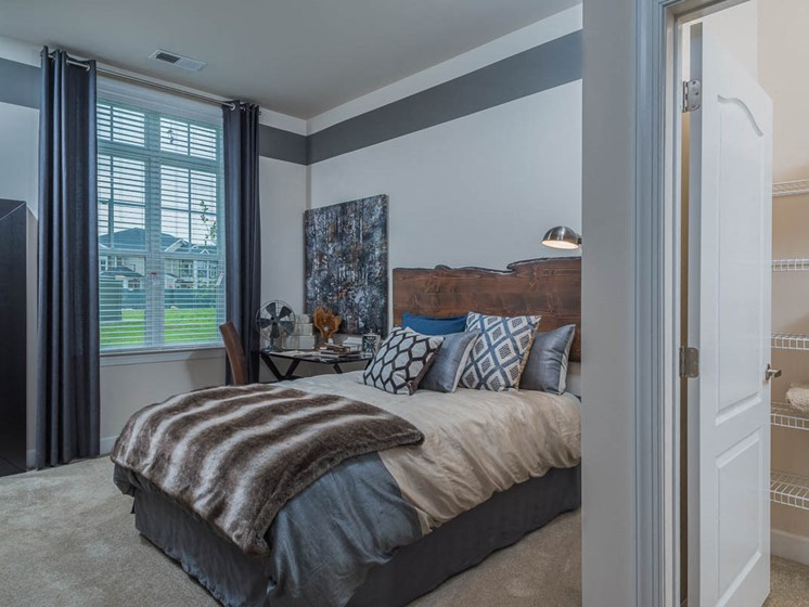 Expansive Windows To Capture Natural Light at Abberly Waterstone Apartment Homes by HHHunt, Stafford, Virginia