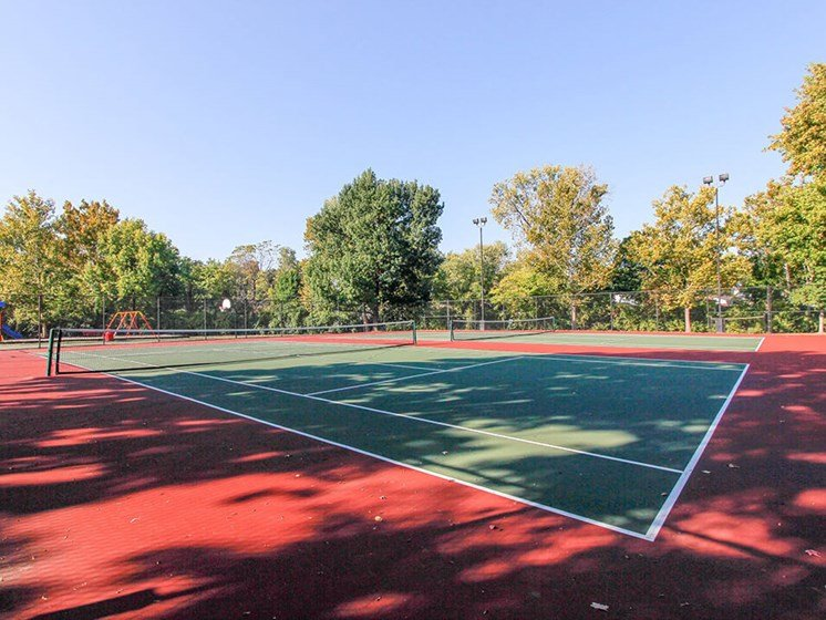 Tennis Court at Woodhollow Apartments