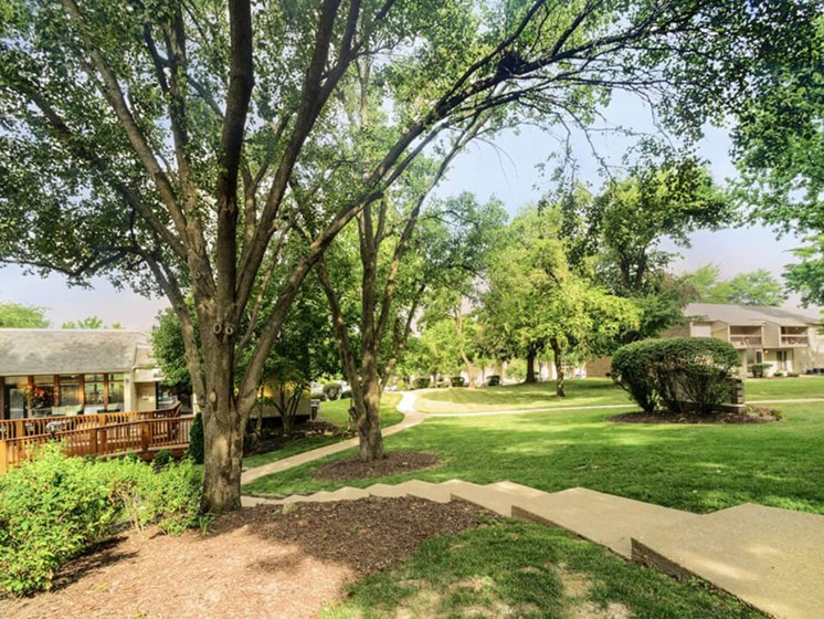 Woodhollow Apartments with amenities