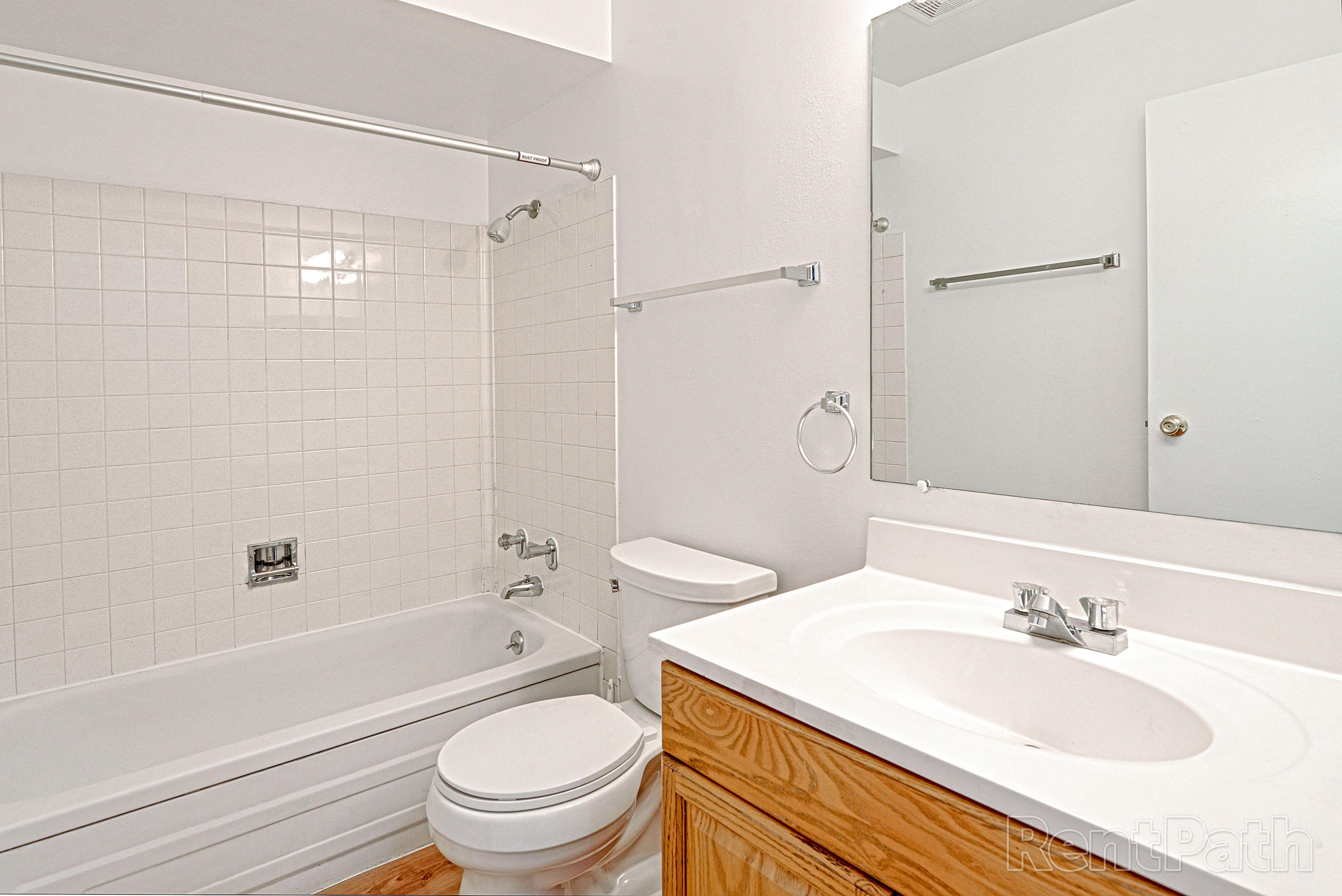 Tiberon Trails Bathroom