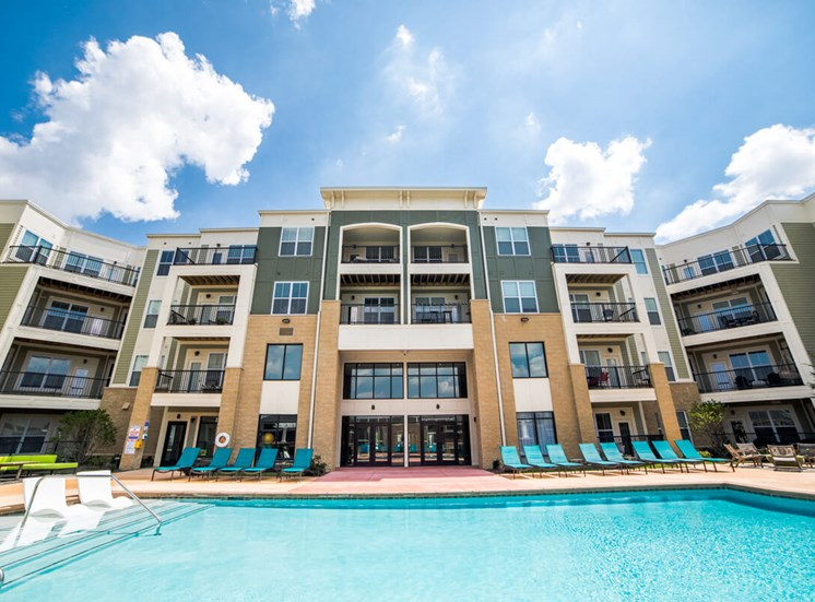 Shimmering Pool at Mosaic at Levis Commons Apartments in Perrysburg, OH near Toledo