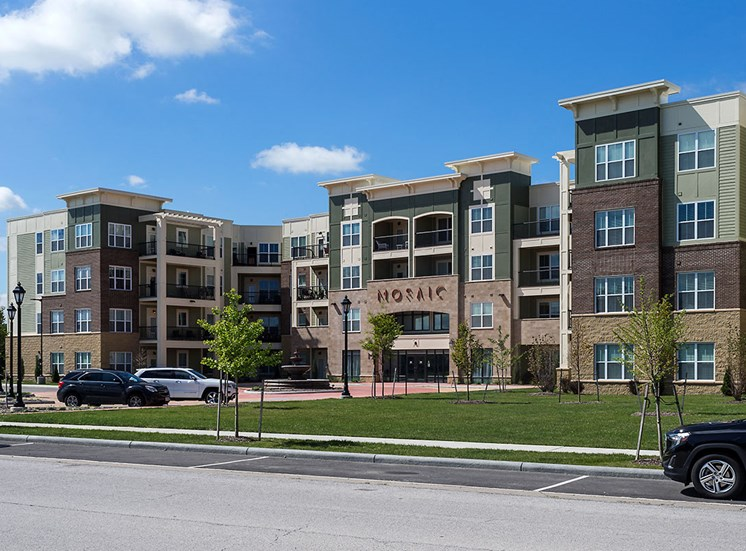 Mosaic at Levis Commons Apartments in Perrysburg, OH near Toledo