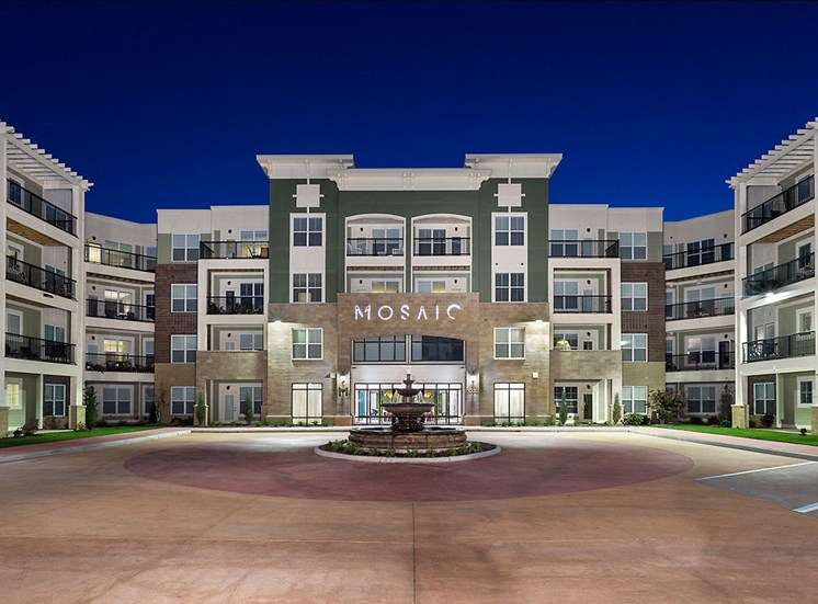 Exterior View Mosaic at Levis Commons Apartments in Perrysburg, OH near Toledo
