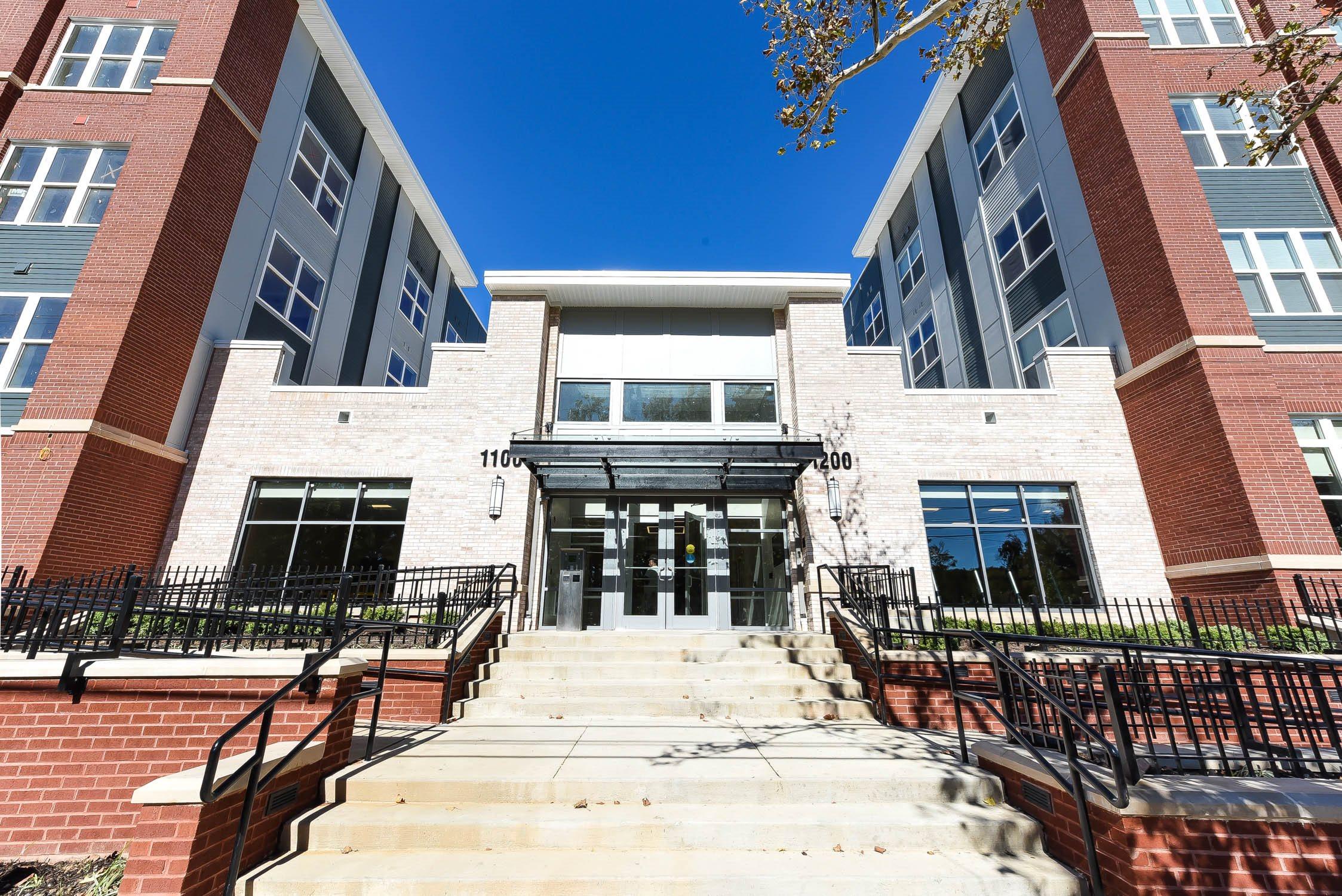 Archer-Park-Apartments-Front-Entrance