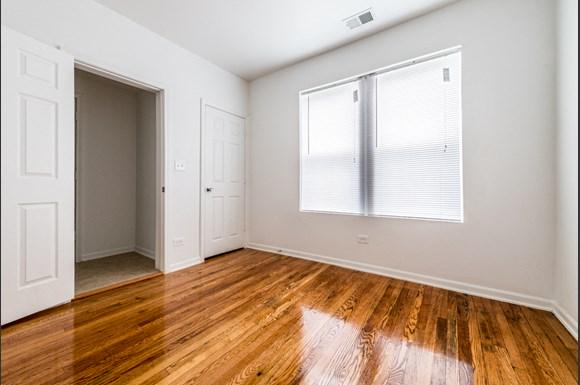 Grand Crossing Apartments for rent in Chicago | 7406 S Perry Bedroom