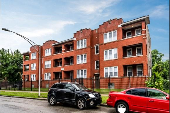 Grand Crossing Apartments for rent in Chicago | 7406 S Perry