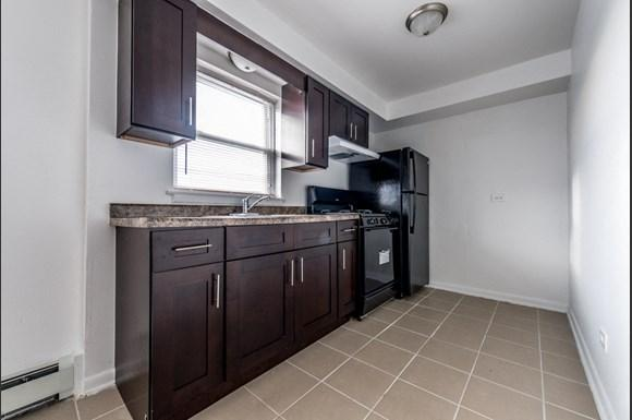 1475 State St Apartments Chicago Kitchen