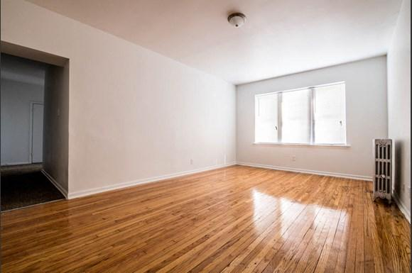 418 S Laramie Ave Apartments Chicago Living Room