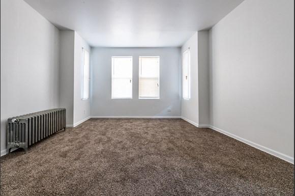 500 S Laramie Ave Apartments Chicago Living Room