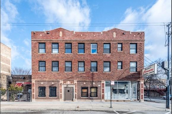 5100 W Madison St Apartments Chicago Exterior