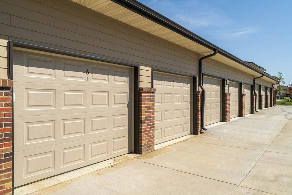 Detached garages available for rent at The Villas at Mahoney Park
