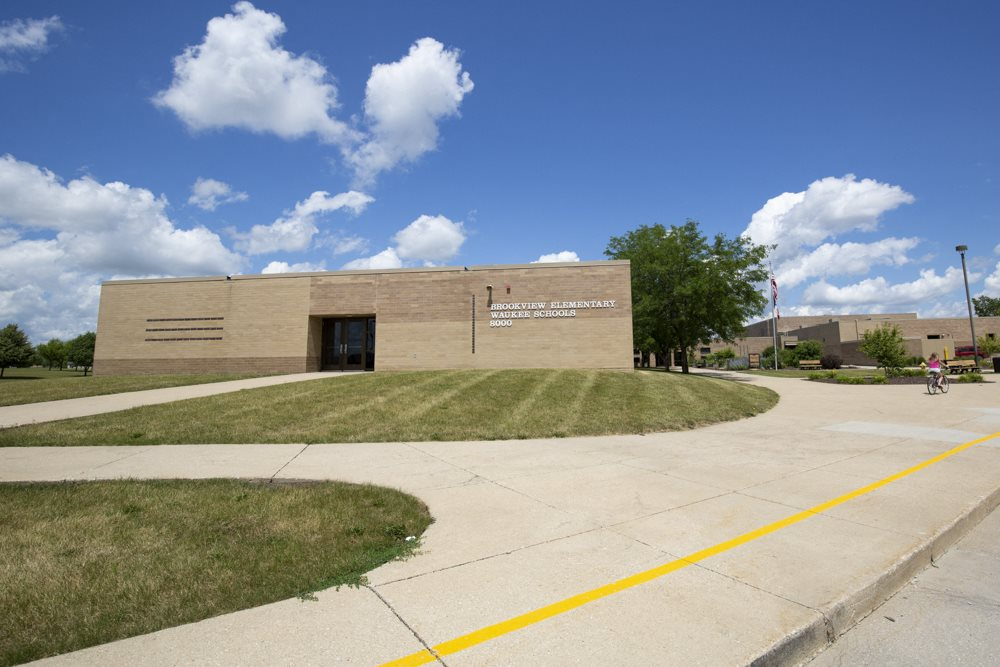 Brookview Elementary School next to 360 at Jordan West best new apartments West Des Moines IA 50266