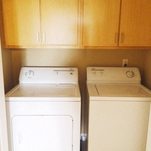 washer and dryer  l Davinci Apartments