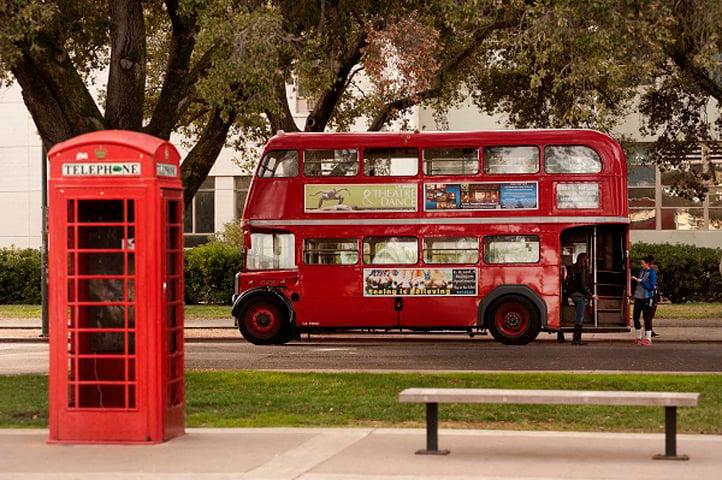 Double Decker Bus l Davinci Apartments