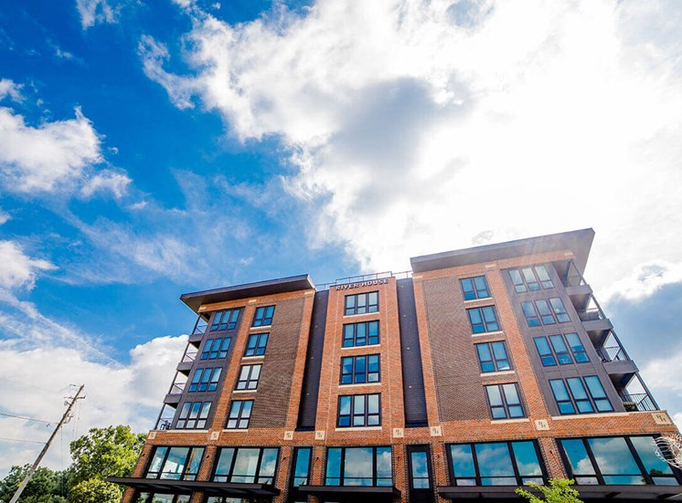 Luxurious Apartment Experiences at River House, Indiana, 46220
