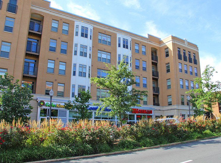 Northgate apartments in Falls Church, VA