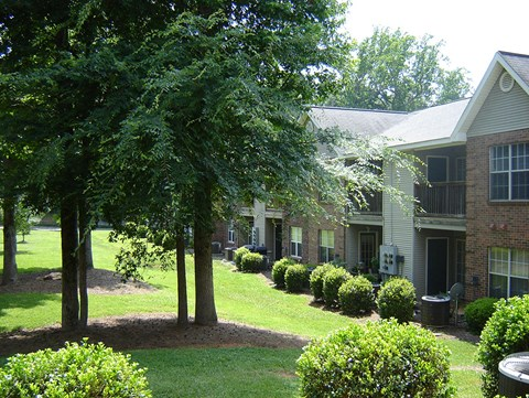 Landscaping at Pepper Ridge Apartments