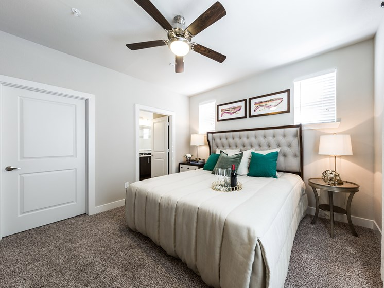Wall-to-Wall Carpeting in Bedroom at Grand at the Dominion, Texas
