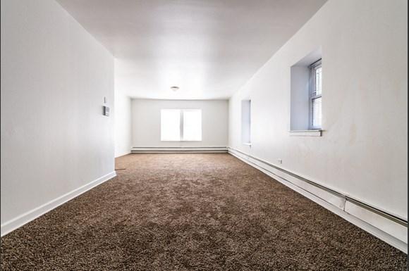 4814 W Monroe St Apartments Chicago Living Room
