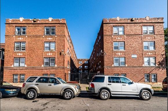 4814 W Monroe St Apartments Chicago Exterior