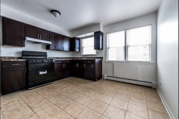 14110 S Atlantic Ave Apartments Chicago Kitchen