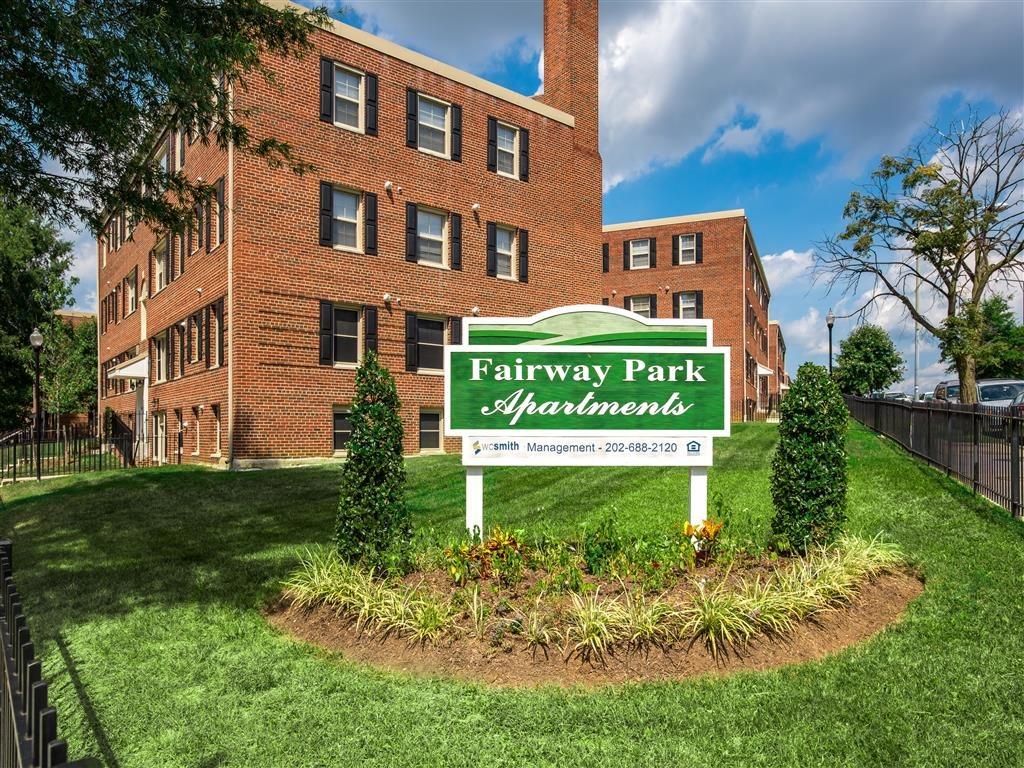 Fairway-Park-Apartments-Monument-Sign